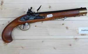 Pistol replika